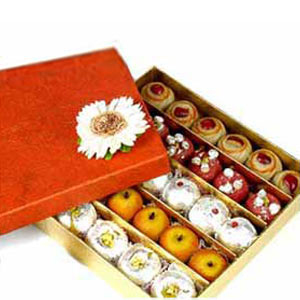 Deliver Sweets with Flowers to Pune